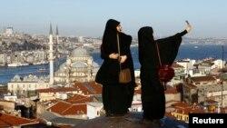 Türkiye'ye gelen Arap turist sayısının 2016'da artacağı öngörülüyor.