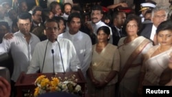Sri Lanka's newly elected President Maithripala Sirisena (C) speaks during his swearing-in ceremony in Colombo, January 9, 2015.