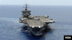 El portaviones USS Enterprise tendría un cambio de comando antes de iniciar su próxima misión.