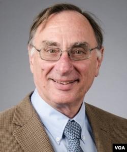 加州大学圣地亚哥分校全球政策与战略学院社会学荣誉教授理查德·马德森 (照片提供:马德森)