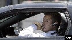 В Америке могут запретить разговоры по мобильному за рулем