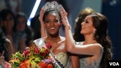 Lopes dijo que desea proseguir el trabajo que ya comenzó como Miss Angola, ayudando a su pueblo.