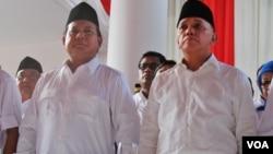 Prabowo Subianto dan Hatta Rajasa akan mendaftarkan diri ke Komisi Pemilihan Umum (KPU) sebagai calon presiden dan wakil presiden pada Selasa, 20 Mei (foto: VOA/Fathiyah).