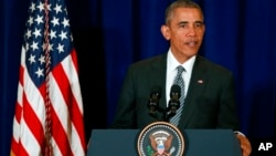 Tổng thống Barack Obama phát biểu tại một cuộc họp báo ở Kuala Lumpur, Malaysia, hôm 22/11.