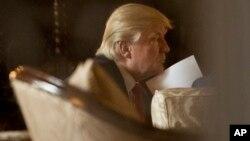 ترامپ باید در آغاز کار یک عضو دیوانعالی و دهها قاضی دادگاه های فدرال را برگزیند.