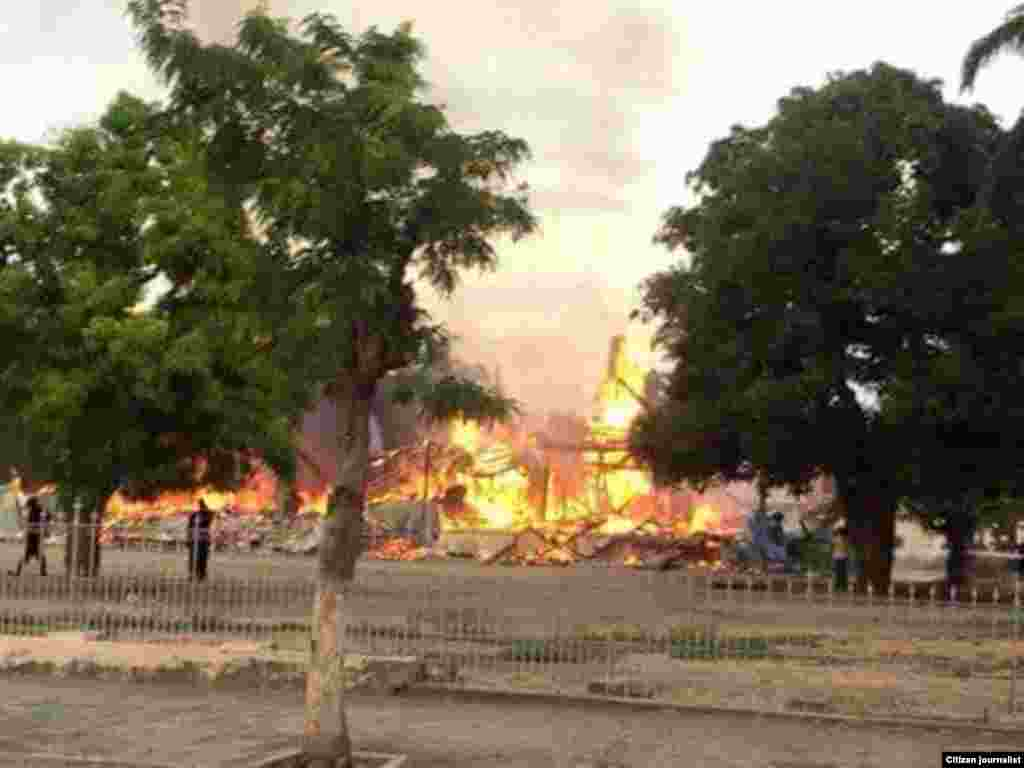incêndio destrói edifício da Cultura em Benguela, 28 de Março, 2015, Angola