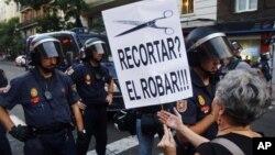 Biểu tình trong thủ đô Madrid của Tây Ban Nha phản đối biện pháp kiệm ước
