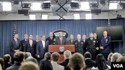 """El presidente Obama dijo en el Pentágono que Estados Unidos """"da vuelta la página tras una década de guerra""""."""