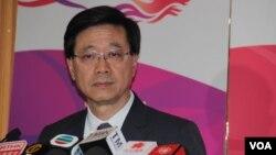 香港保安局局長李家超5月20日在政府總部的記者會上(美國之音記者申華拍攝)