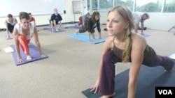 Hacerse examinar los pies, junto con una buena dieta y ejercicio adecuado es fundamental dice la APMA.