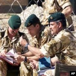 英國軍隊在阿富汗執行任務(資料圖片)