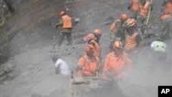 De acuerdo a las autoridades cerca de 12.000 habitantes de la zona fueron evacuados.