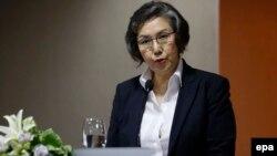 Yanghee Lee, pelapor khusus PBB untuk situasi hak asasi manusia di Myanmar, berbicara kepada media di Yangon (1/7). (EPA/Lyn Bo Bo)