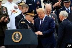 پرزیدنت ترامپ در مراسم معرفی و شروع به کار رسمی ژنرال مارک میلی، رئیس ستاد مشترک نیروهای نظامی
