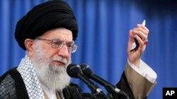 Lãnh tụ tối cao Iran Ayatollah Ali Khamenei phát biểu tại một cuộc họp ở Tehran, ngày 13/8/2018.