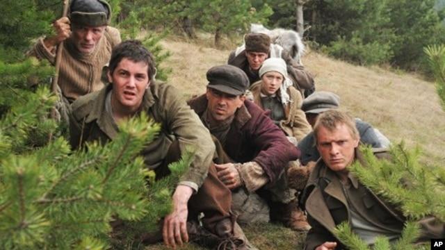 Ed Harris, Jim Sturgess, Colin Farrell, Jim Sturgess and Saoirse Ronan in 'The Way Back'