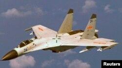 یک هواپیمای چینی جی-۱۱