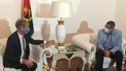 Embaixador da Bélgica em Angola Josef Smets (esquerda) com o governador de Benguela Rui Falcão