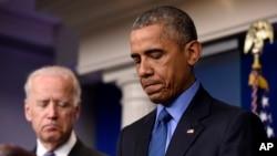"""El presidente Obama dijo que lo más lamentable es que haya sucedido en un lugar donde acudimos en busca de consuelo y paz, """"en un lugar de oración""""."""