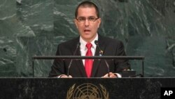 Menteri luar negeri Venezuela, Jorge Arreaza berbicara pada Sidang Umum PBB di New York, Senin (25/9).