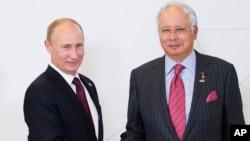 Владимир Путин и Наджиб Разак
