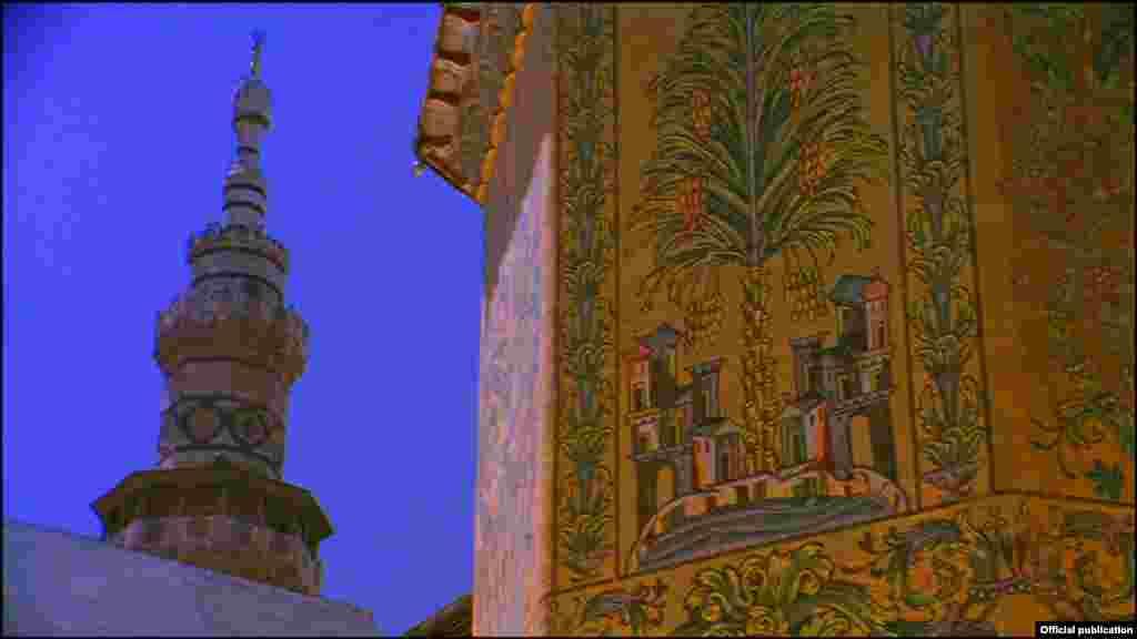 Velika džamija u Damasku prikazana je u filmu Islamic Art: Mirror of the Invisible World (Ljubaznošću: Unity Productions Foundation)