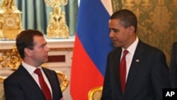 Ο Πρόεδρος Ομπάμα με το Ρώσο ομόλογό του Ν. Μεντβέντεβ.