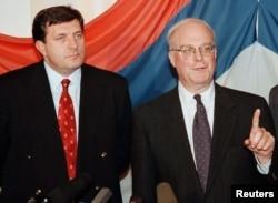 Milorad Dodik i Robert Gelbard obraćaju se konferenciji za novinare u Banjoj Luci.