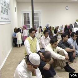 Peran komunitas muslim dinilai lebih efektif dalam mencegah radikalisme dibandingkan tindakan oleh penegak hukum (foto: ilustrasi).