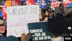 Protest federalnih radnika u Vašingtonu zbog zatvaranja vlade SAD