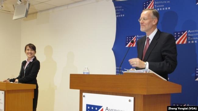 美国在台协会台北办事处长郦英杰上任后首次记者会