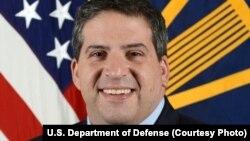 Phó Trợ lý Bộ trưởng Quốc phòng Mỹ, Abraham Denmark.