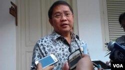Menteri Komunikasi dan Informatika Rudiantara mengatakan pemerintah peduli terhadap merebaknya hoaks di berbagai media sosial. (Foto: VOA/Iris).