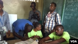 海地投票选举总统及议会。