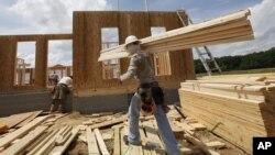 지난달 미국 주택 가격이 큰 폭으로 상승했다. 사진은 미국 버지니아 체스터의 주택 신축 현장.