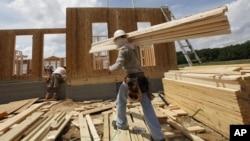 La venta de casas nuevas estimula al sector de la construcción uno de los más importantes del país.