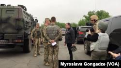 Інформація у російських ЗМІ послідувала за візитом на Донбас спецпредставника США Курта Волкера
