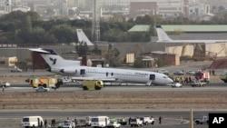 Một chiếc máy bay Boeing 727 của hãng hàng không Iran hạ cánh bằng mũi vì bộ phận hạ cánh bị kẹt tại sân bay Mehrabad ở Tehran hồi tháng 10, 2011.
