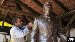Hungaria nderon ish presidentin Ronald Regan me një statujë në Sheshin e Lirisë