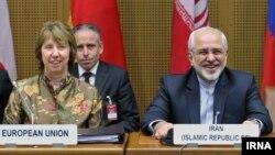 محمد جواد ظریف و کاترین اشتون در مذاکرات هسته ای ایران و ۱+۵ در وین - ۲۴ خرداد ۱۳۹۳