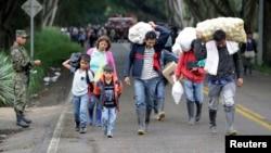 Miles de familias campesinas comienzan el retorno a sus parcelas, luego de 12 días de paro en Colombia.