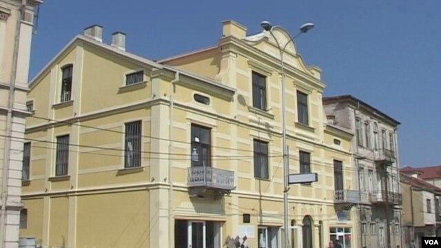Maqedoni, dëmtohet Shtëpia e Alfabetit në Manastir