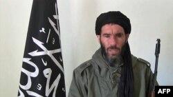 Mokhtar Belmokhtar liderou a AQMI até Dezembro do ano passado e é um experiente operacional da nebulosa terrorista da al-Qaida com passagens no Afeganistão