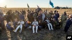 Слева направо: Джефф Уильямс, Алексей Овчинин и Олег Скрипочка. Казахстан, 7 сентября 2016