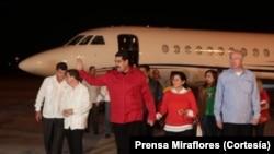 El presidente Nicolás Maduro llegó a Cuba donde se reunirá con su par, Raúl Castro y los países del ALBA.