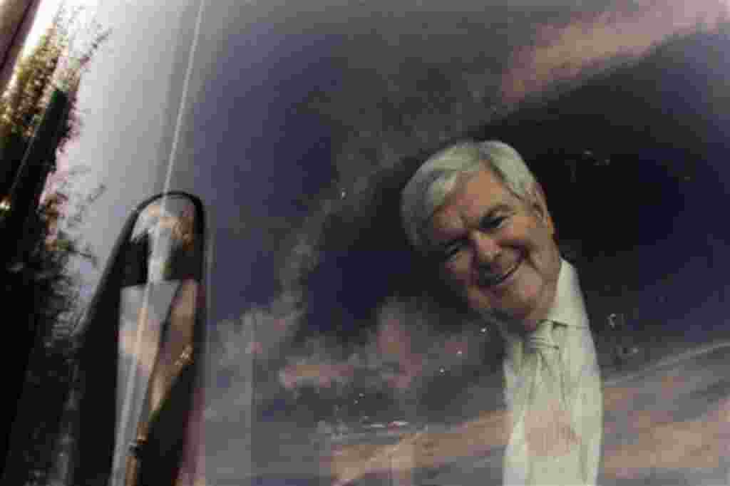 Newt Gingrich llega a un evento al Centro de la Familia, en Orlando, Florida.