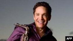 Nghệ sĩ saxophone Dave Koz