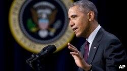 Tổng thống Obama cũng kêu gọi người Mỹ bác bỏ những nhận định chống Hồi Giáo của các chính trị gia, nhất là của ông Donald Trump, ứng cử viên tổng thống của đảng Cộng hòa.