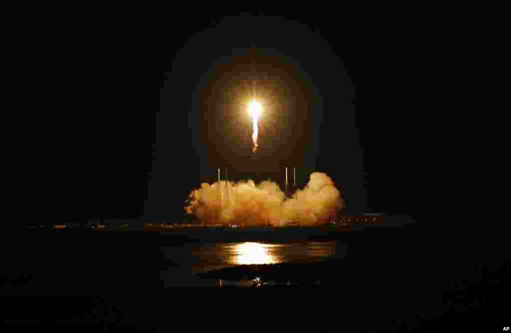 The SpaceX Falcon 9 rocket soared into space from Space Launch Complex-40 on Cape Canaveral Air Force Station in Florida, carrying the Dragon capsule to orbit at 3:44 a.m. EDT on Tuesday, May 22, 2012. (NASA)