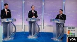 3位特首選舉候選人(左起)梁振英、唐英年、何俊仁,今年3月中出席選舉電視論壇,當時唐英年的違建問題成為焦點